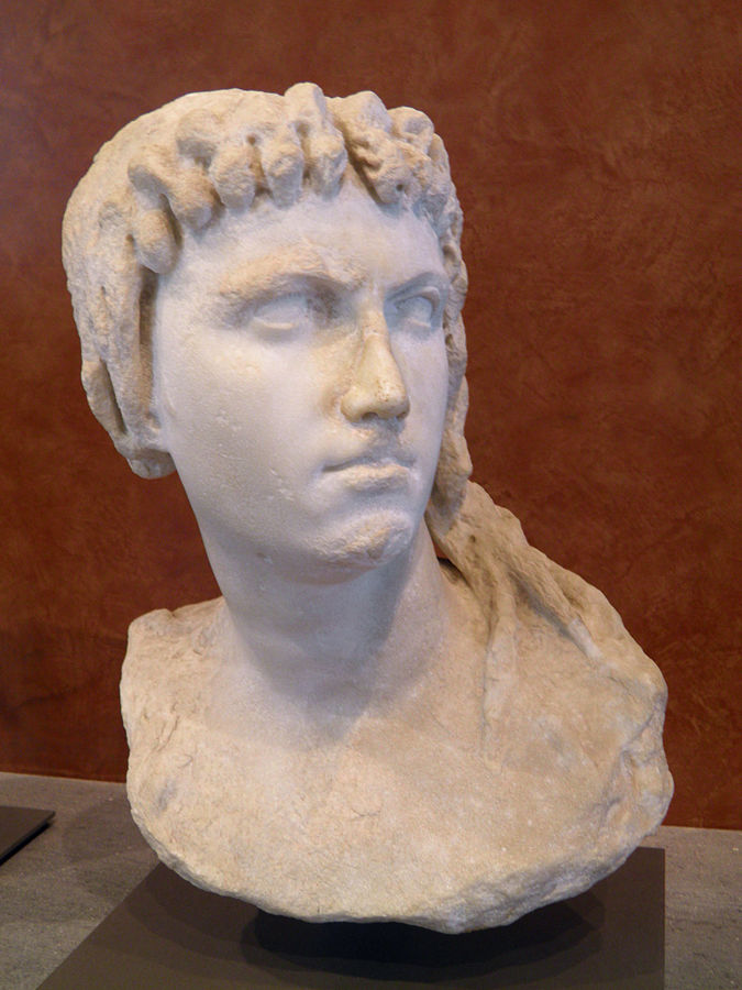 Cleopatra_I_as_Isis-Louvre_Museum