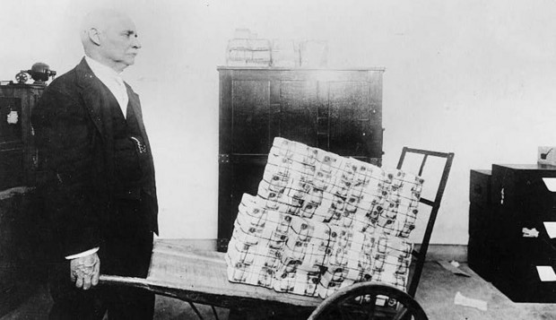 German Hyperinflation Wheelborrow